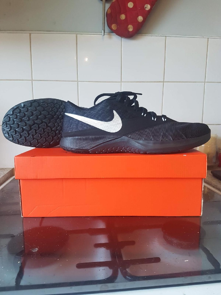 Nike trainers men size 9
