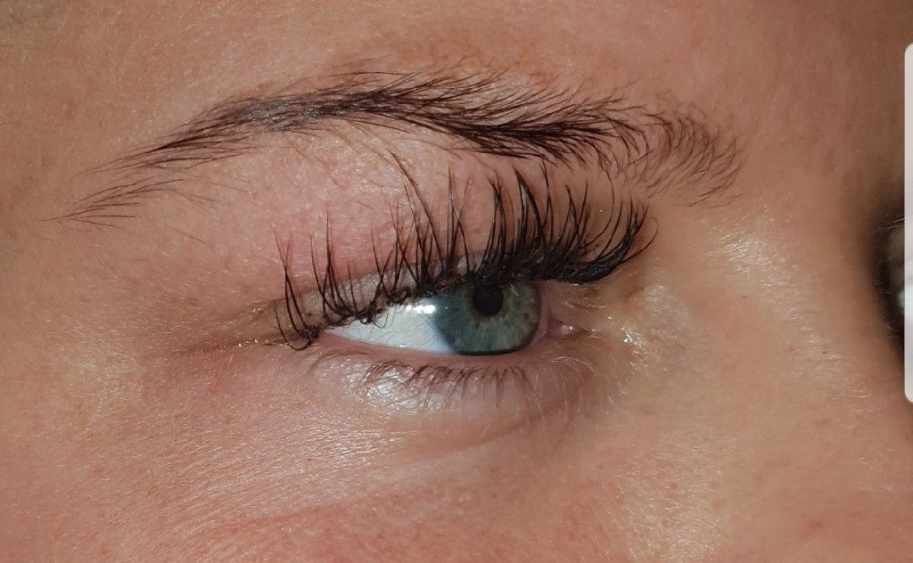 BANK HOLIDAY OFFER Semi permanant lashes