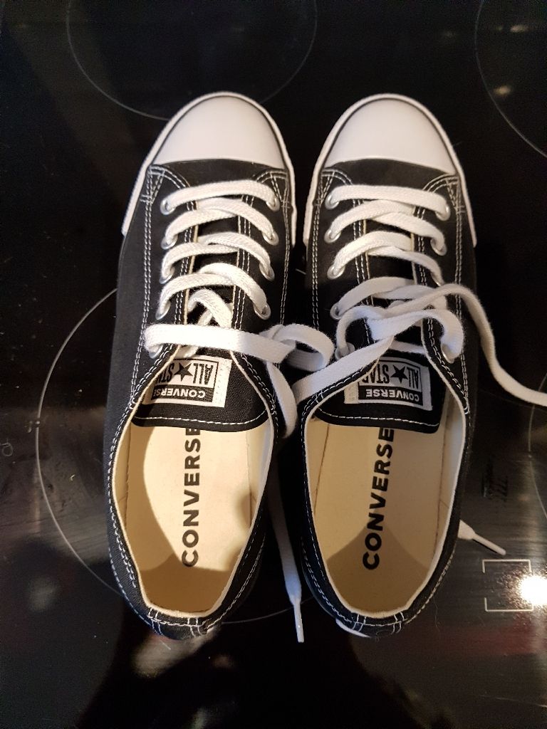 Black converse trainers size 6