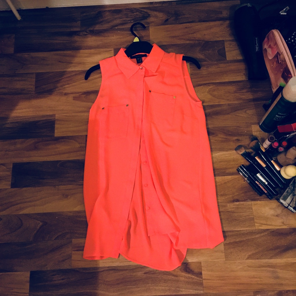 Size 8 Short Sleeved Blouse