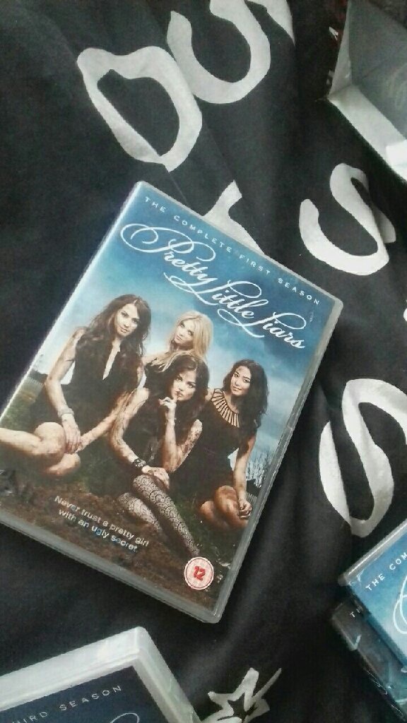 Pretty little liars season 1/7 Box set