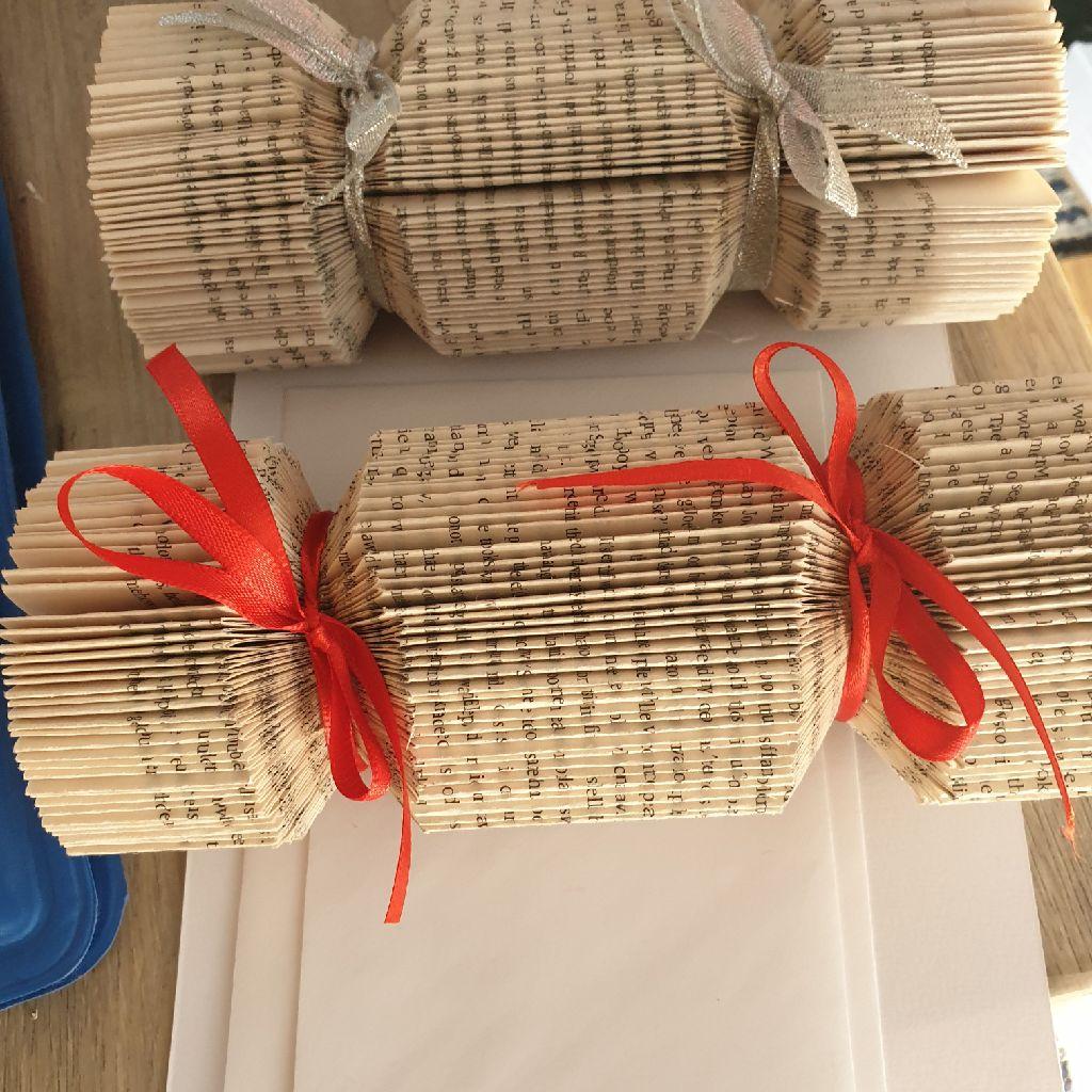 Book folding cracker