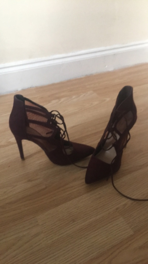 Burgundy Mesh Lace up Shoes
