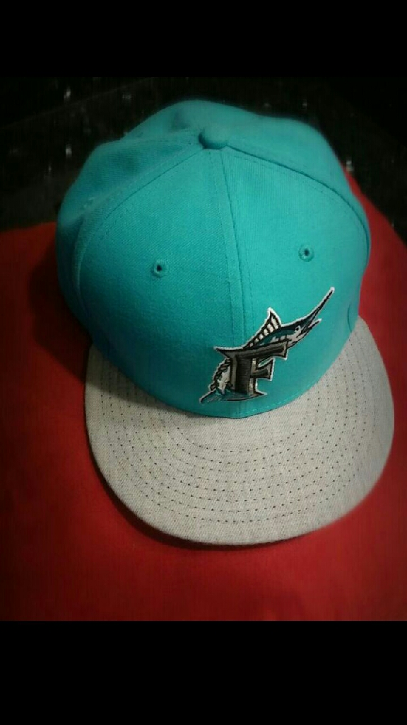 Men's Florida Marlins New Era 59 FIFTY Green/BLACK hat vintage size 8 / 63.5cm