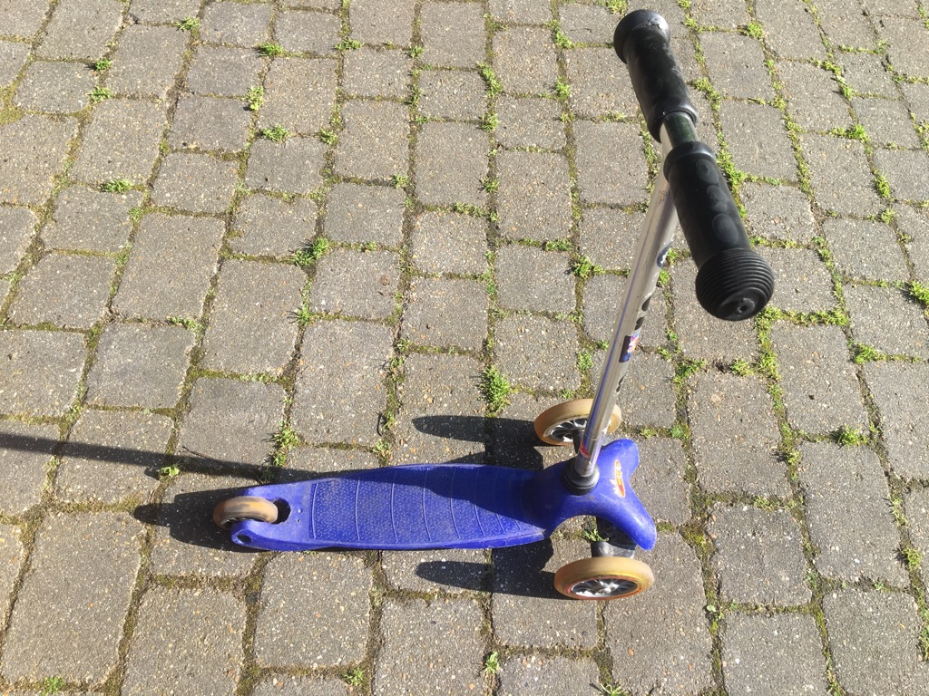 micro mini scooter for £25 ONLY!!! Great condition
