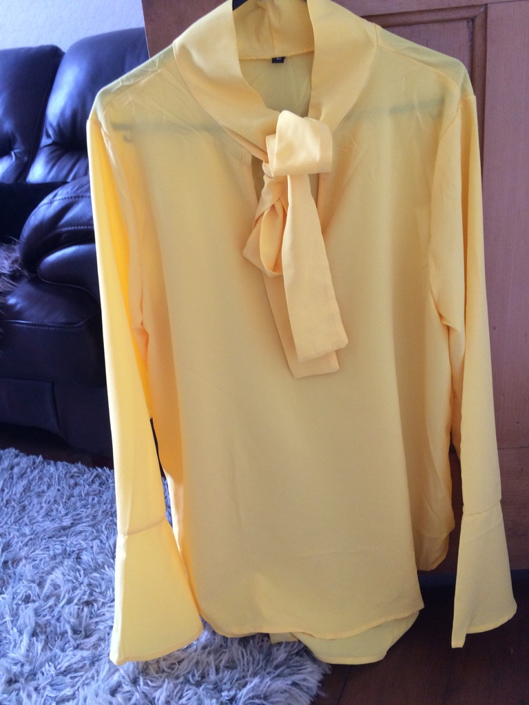 Pretty canary yellow pussy bow blouse size 10 or 12