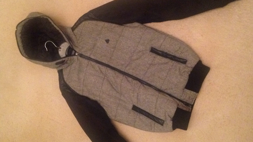 Men's stylish jacket please message or what's app me if want to buy 07984248797