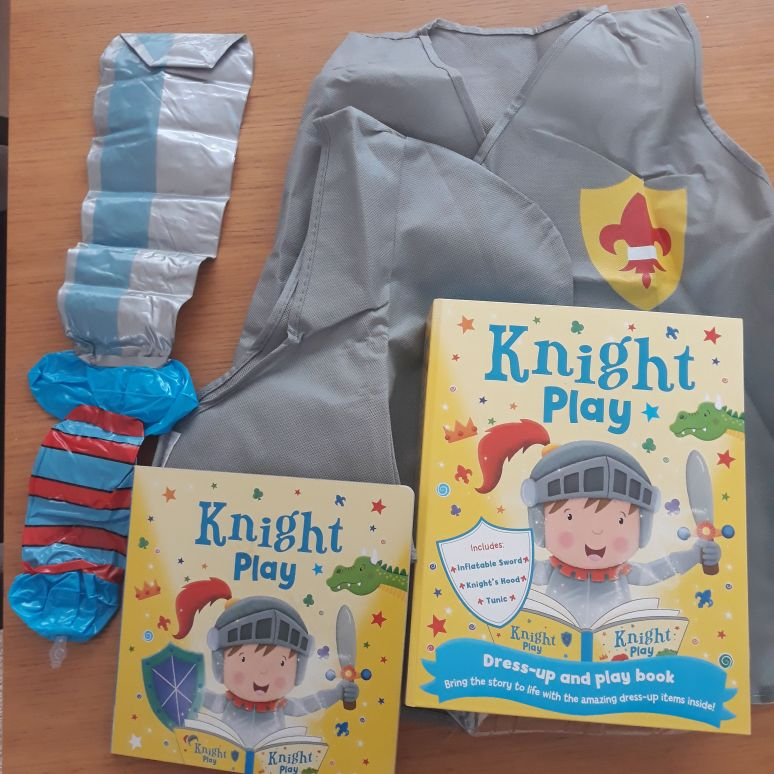 Knight 🛡🗡dress up and play book