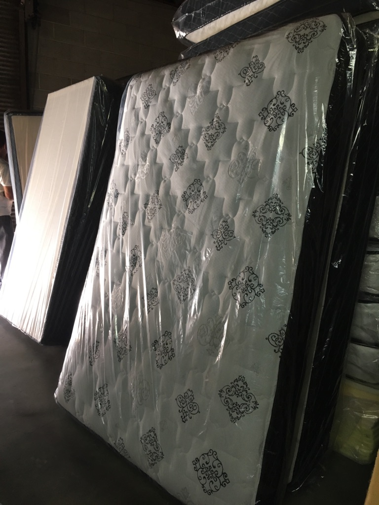 New* Black Metal bunk beds w/ mattresses