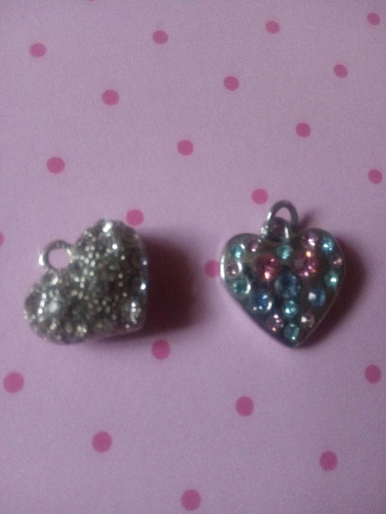 X8 heart charms