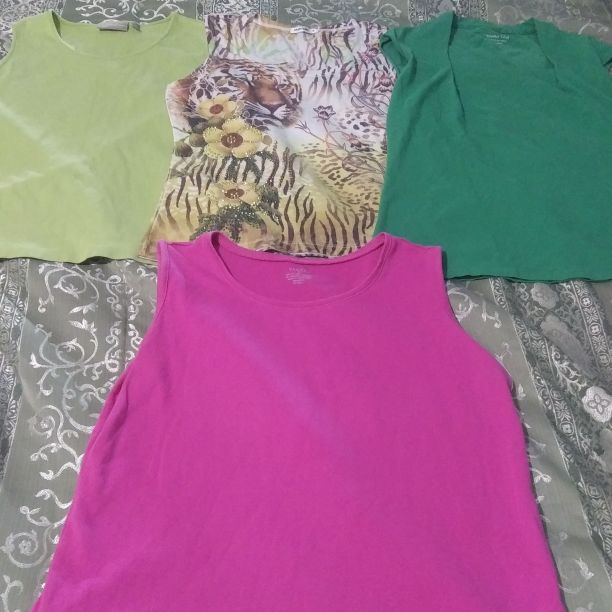 Ladies medium sleeveless shirts