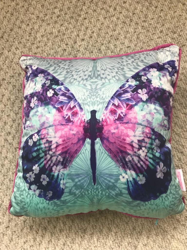 Pair of small pretty decorative cushions