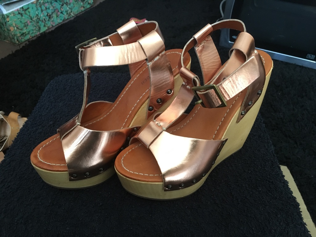 Kurt Geiger wedge sandals size 37/4