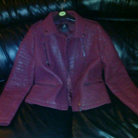 Red laetger look biker jacket