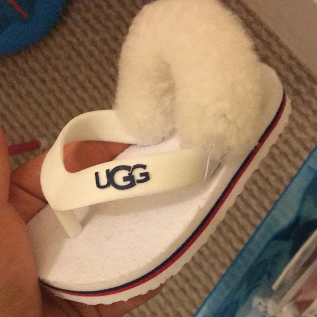 Baby ugg flip flops