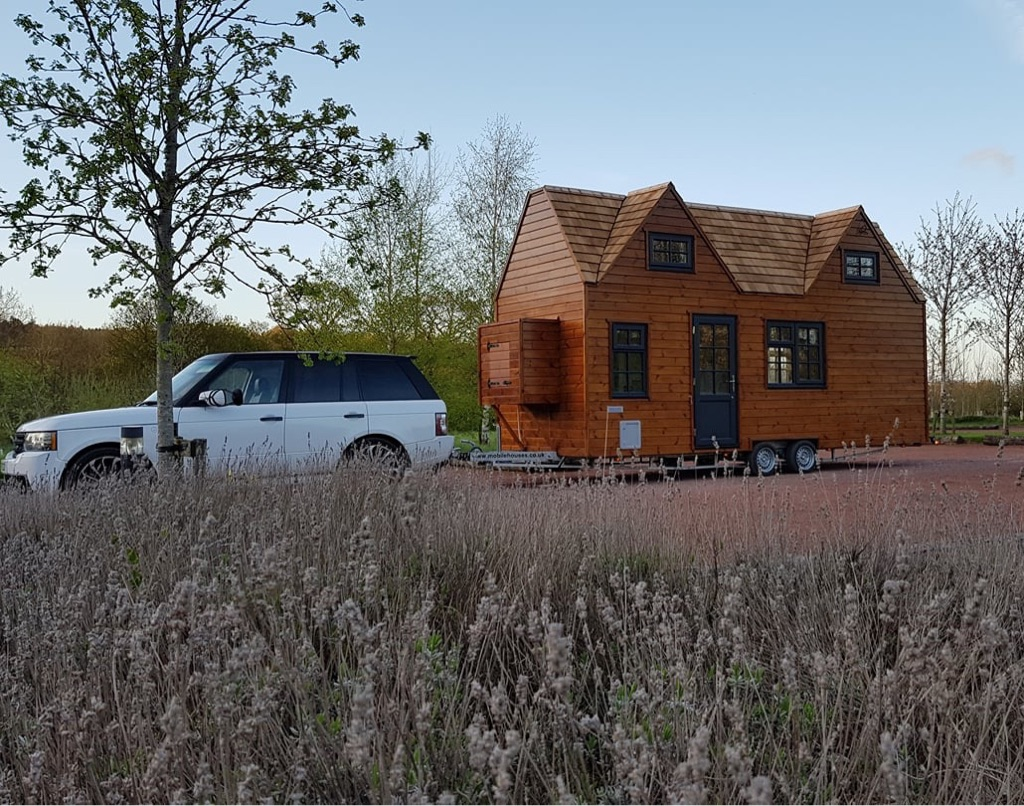 * Wanted* Not for Sale! Land/space/or garden for 23ft mobile home/caravan