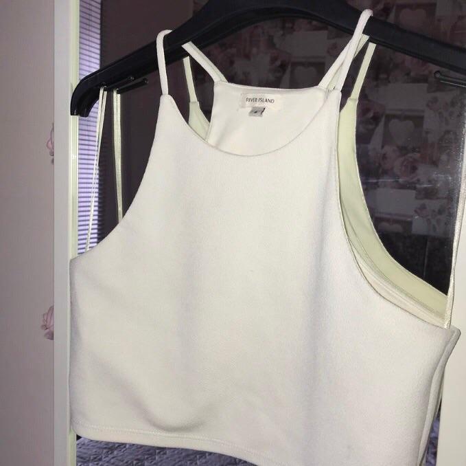 Size 8 halter neck crop top