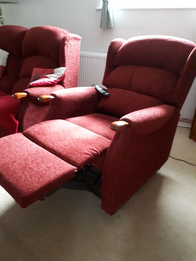 2 seater settee and a recliner chair 16 months old