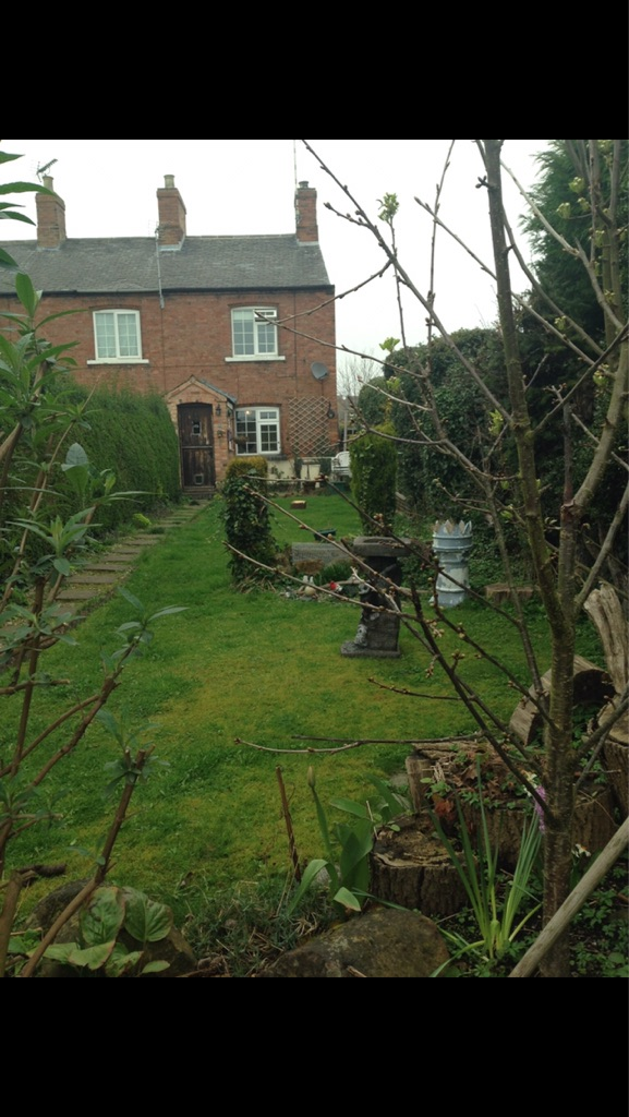 2 bed cottage woodborough for rent
