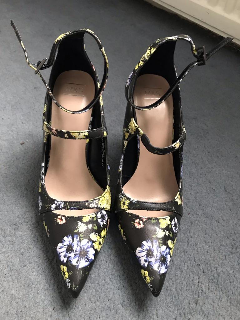 Size 5 black & floral M&S shoes