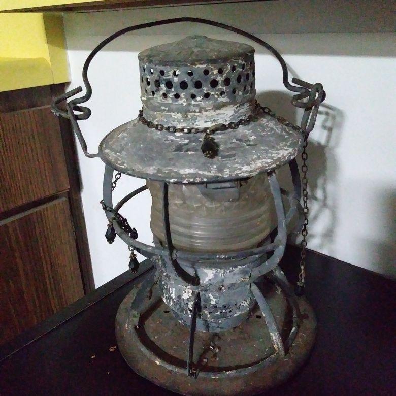 Dressel arlington,N.J. lantern