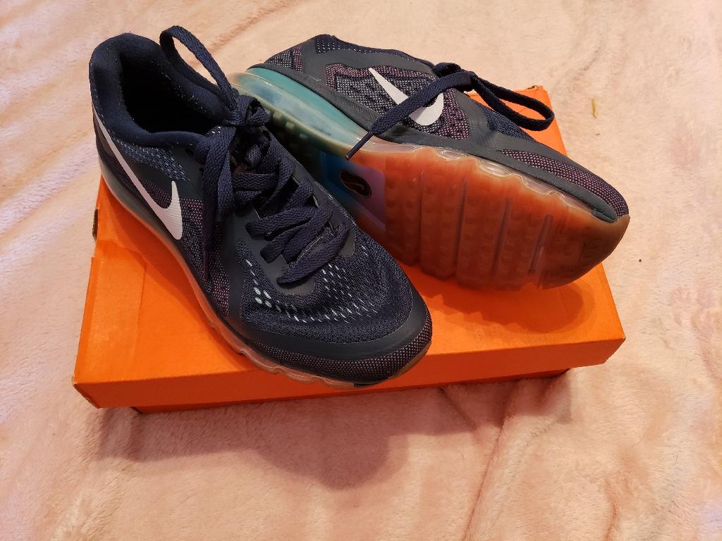 Nike reau tenna shoes