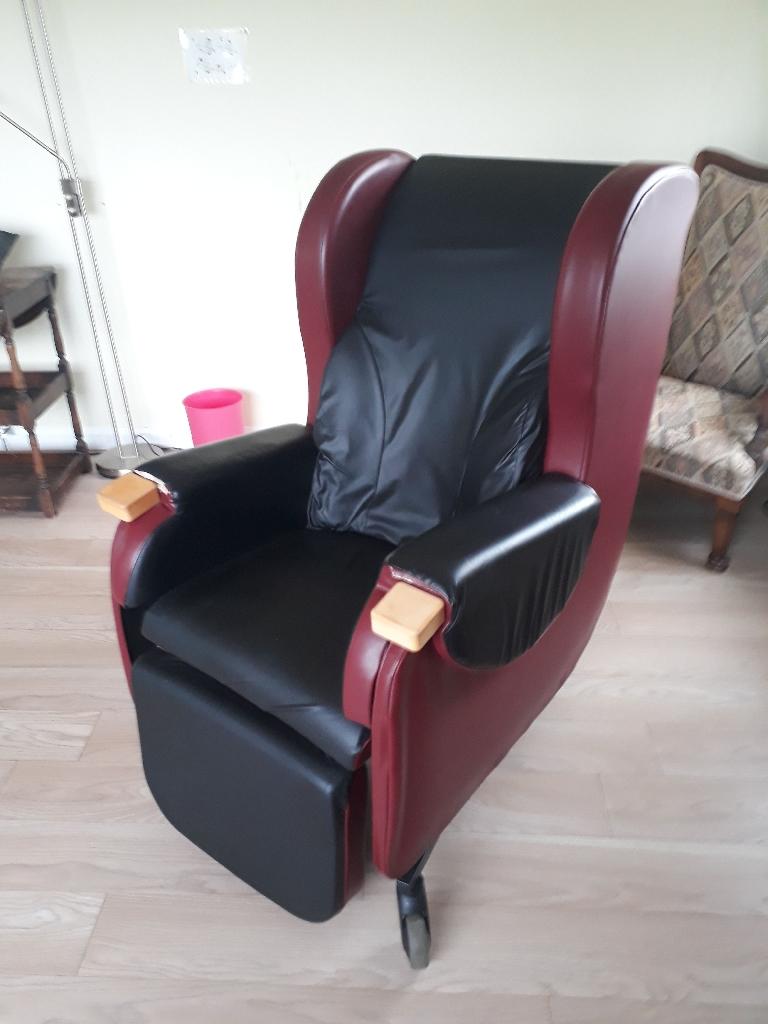 CAREFLEX HYDRO TILT mobility chair