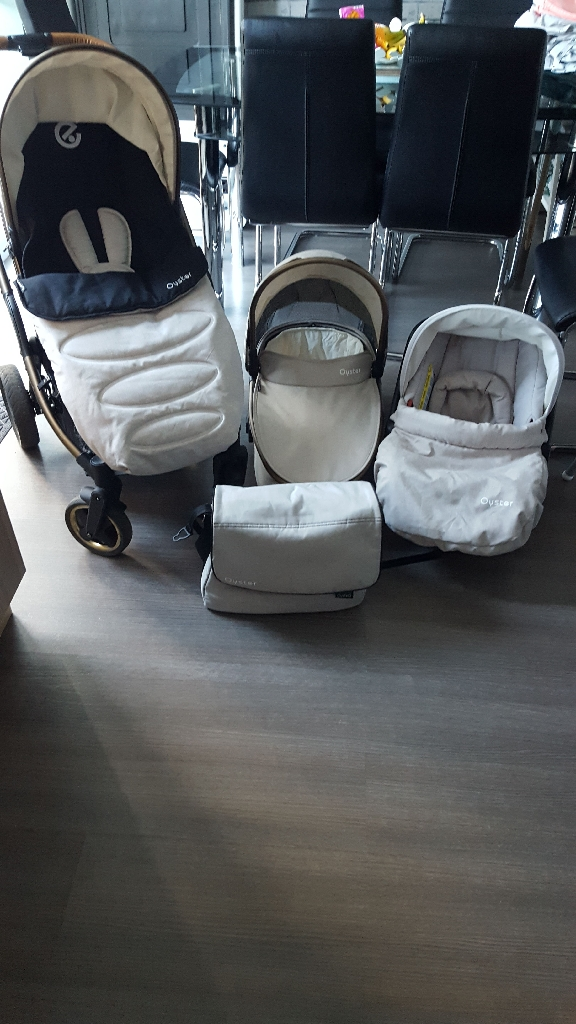 Oyster city bronze travel system