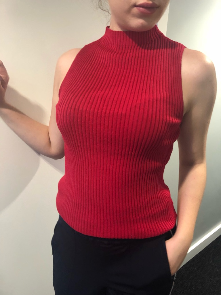 H&M Red Ribbed Sleeveless Sweater
