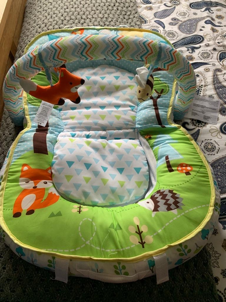 Baby travel play mat