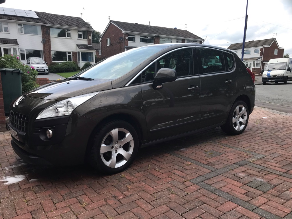 Peugeot 3008 2012. 62 plate...e hdi 1.6 engine Automatic. Brown, low miles