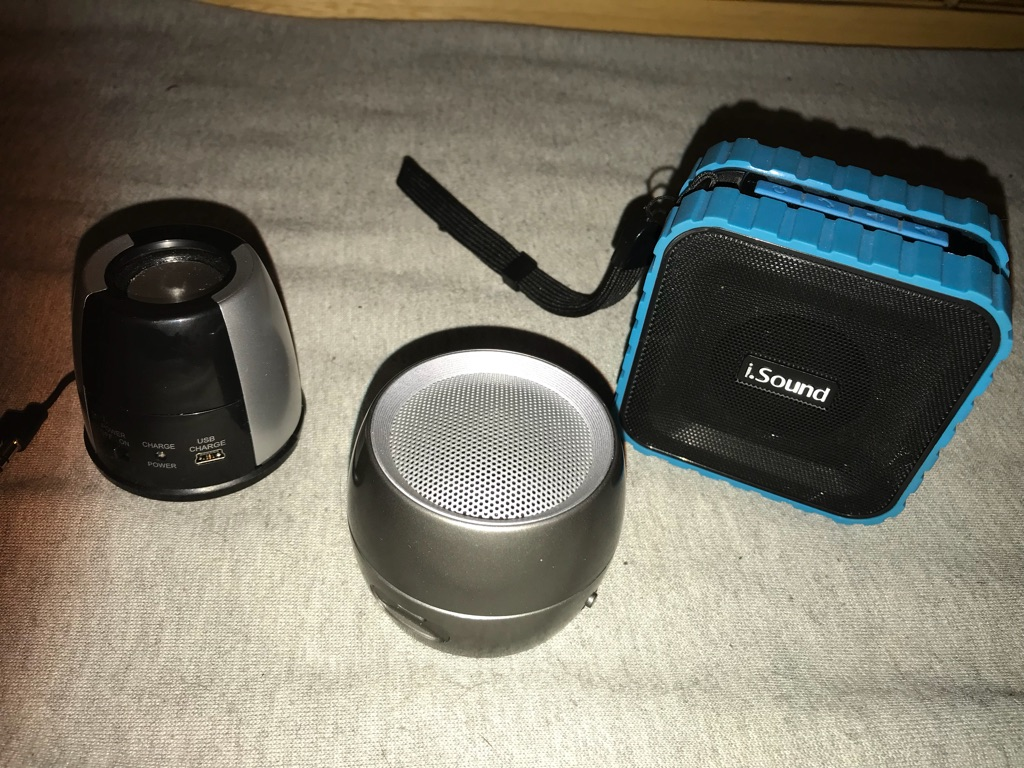 Bluetooth speaker all is 100% good condition