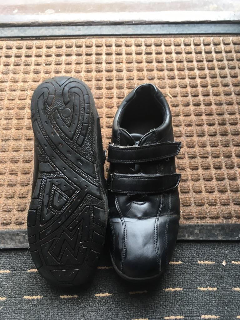 School shoes size 5.5