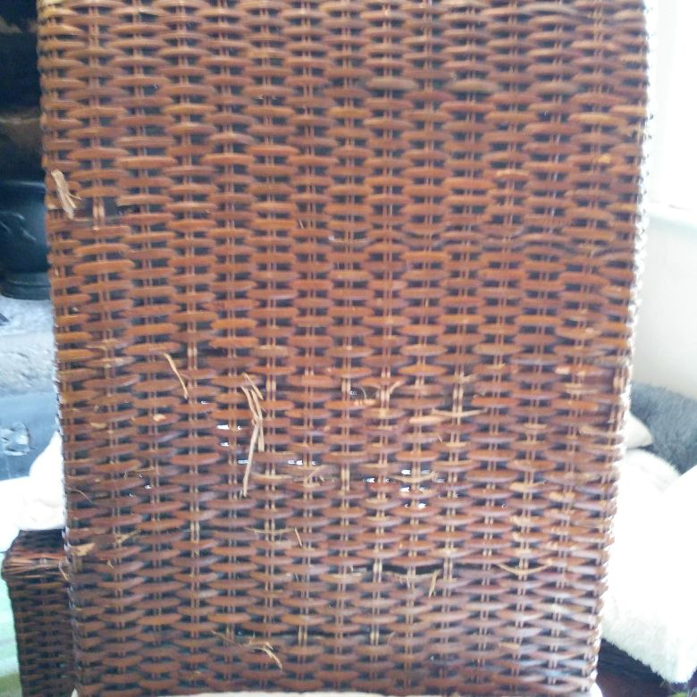 4 rattan dining room chairs-FREE