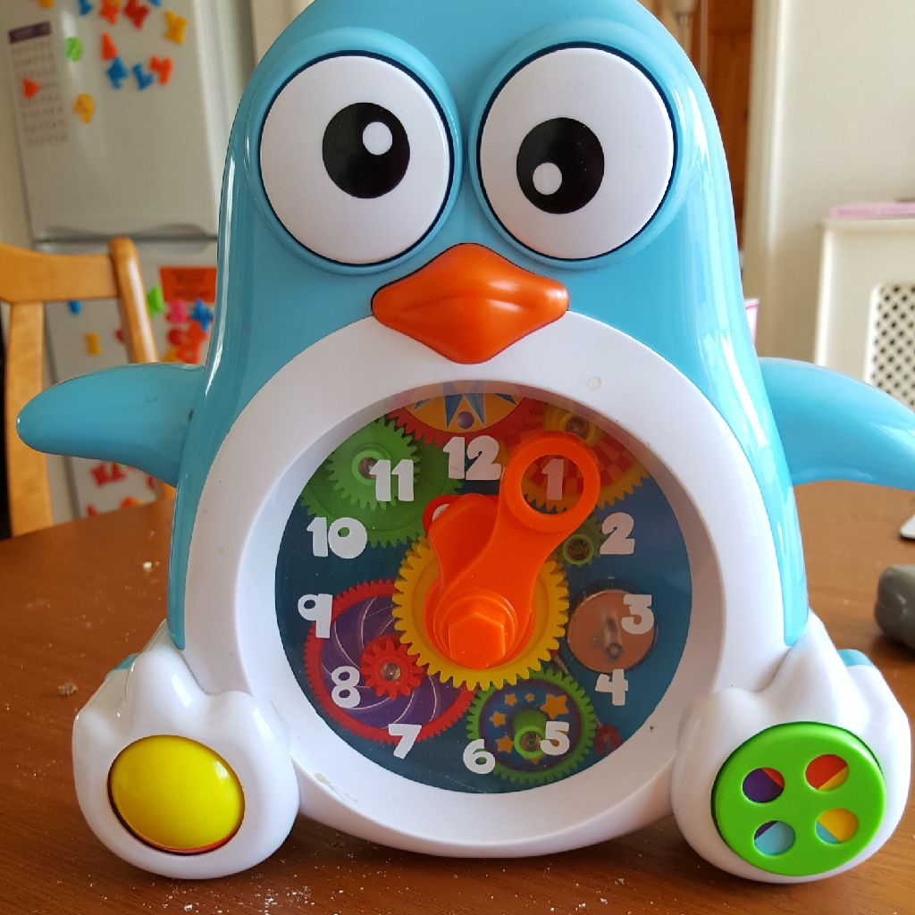 Baby owl clock never been used