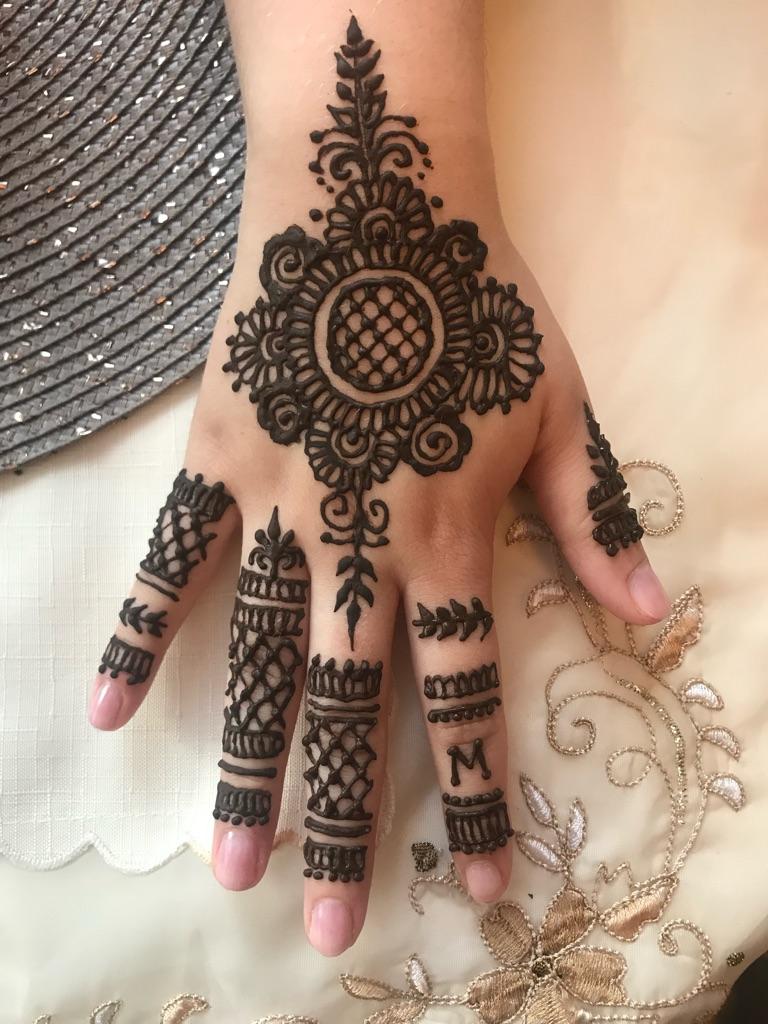 Henna Artist West london