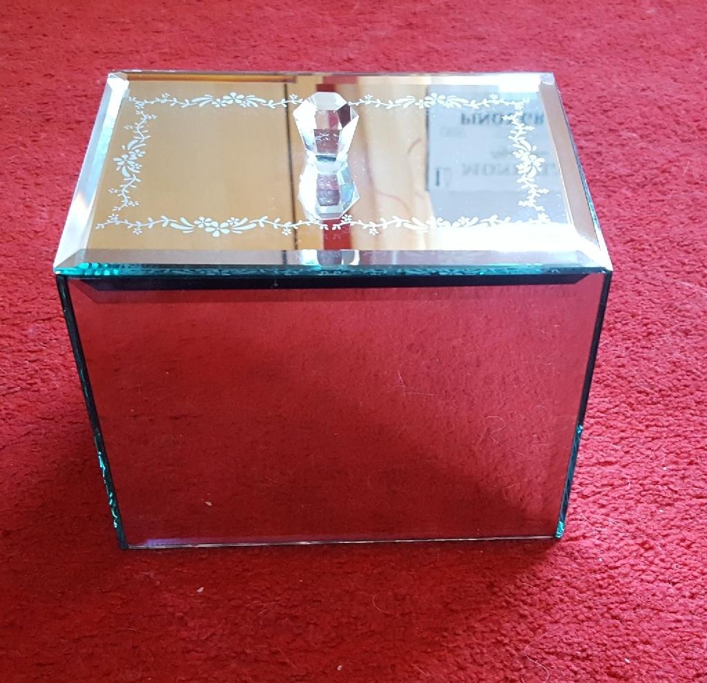 Medium mirror jewellery box