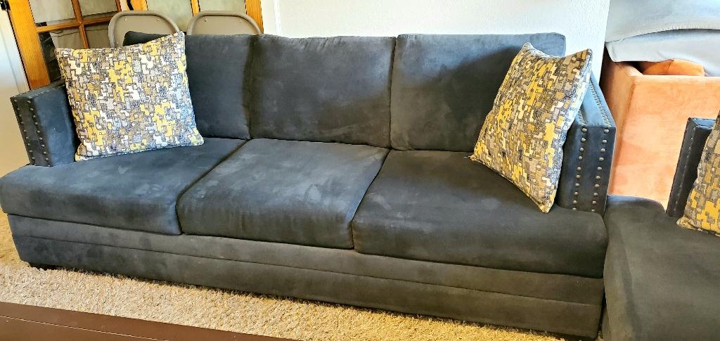 Kiara sofa and loveseat