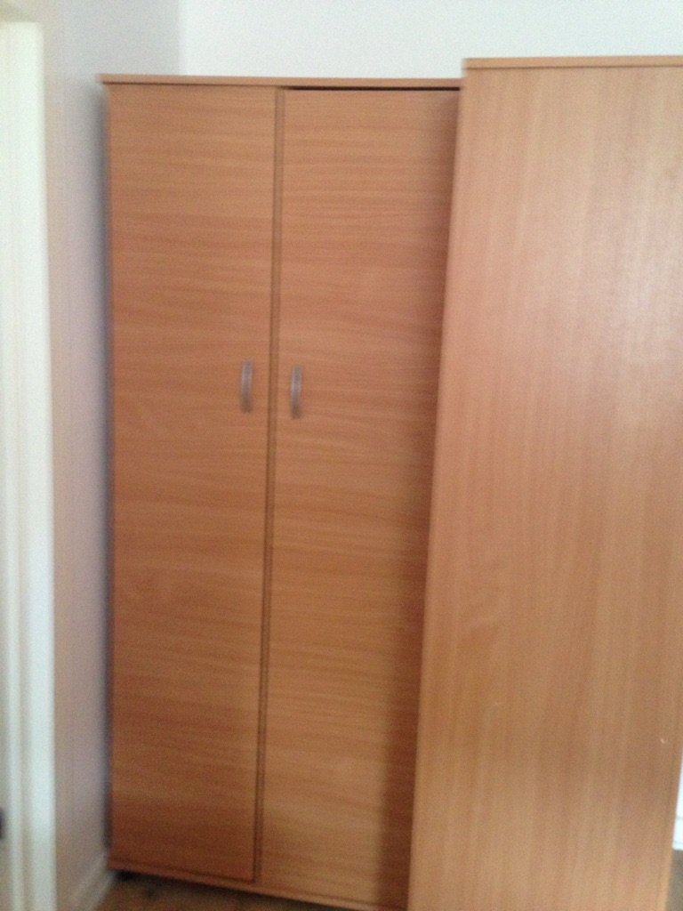 two double wardroes