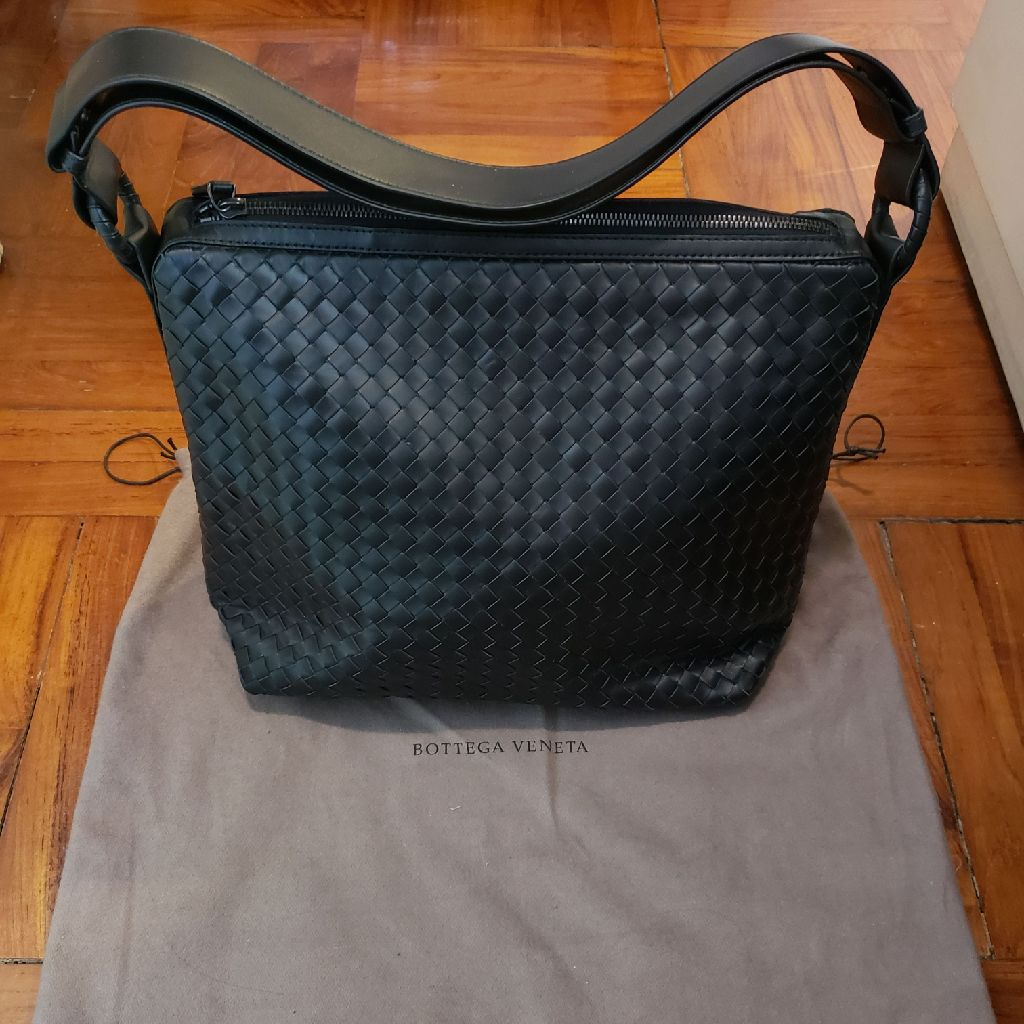 Bottega Venetta black colour bag