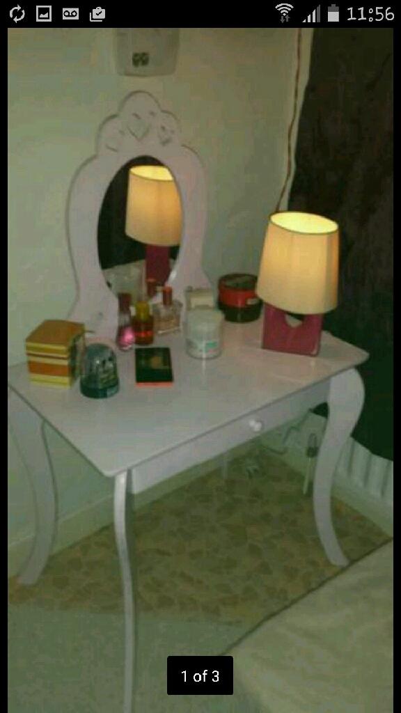 Dressing table+rocking stool
