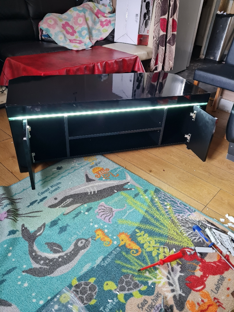 New 47 inches wide TV unit £150
