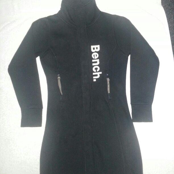 LADIES SIZE 8/10 BENCH LONG BLACK COAT