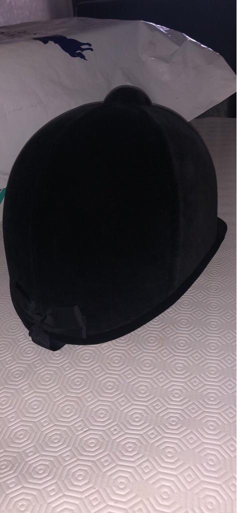 Charles Owen show hat
