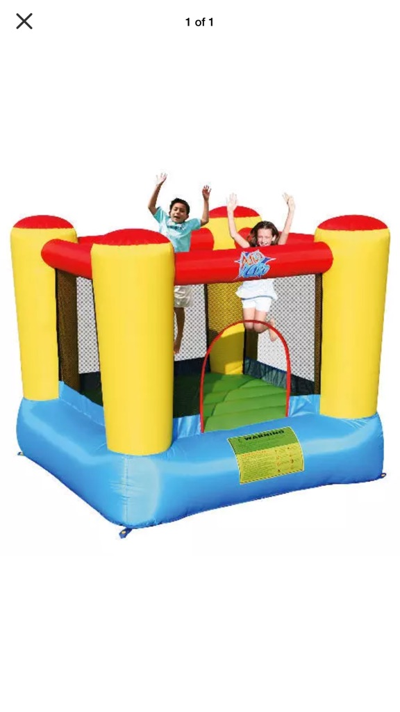 Air flow bouncy castle