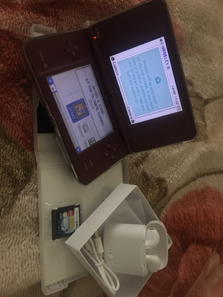 Nintendo DSi XL With 2 Games & BLUETOOTH AIRPODS ✅