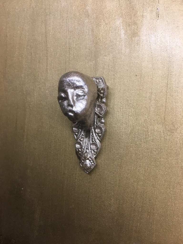 Victorian style pocket clasp brooch