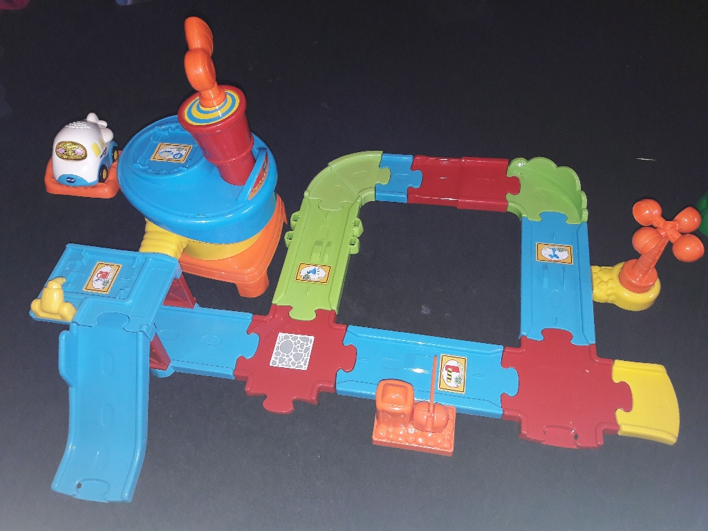 Toot toot drivers airport playset