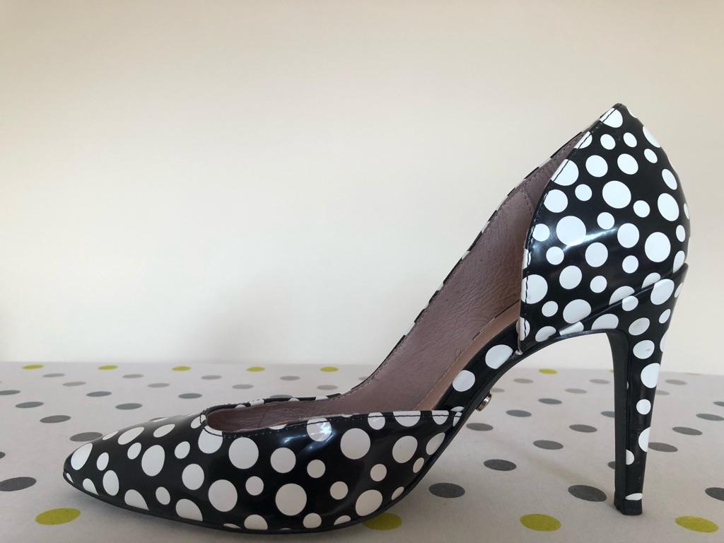 Polka dots heels