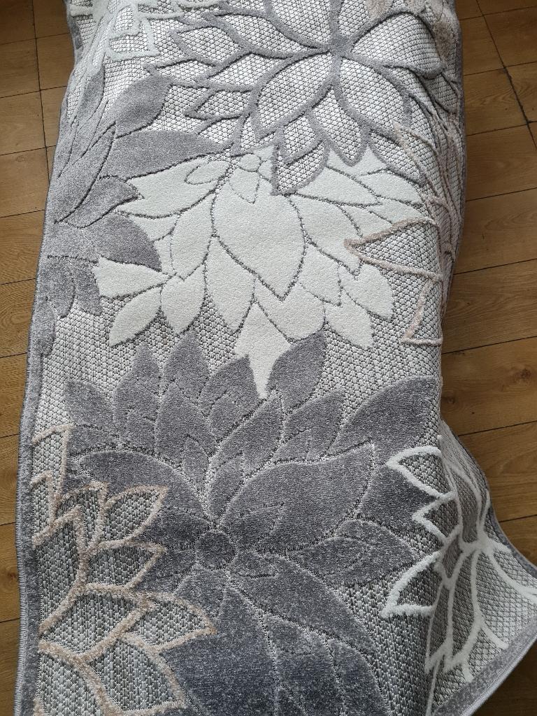 Brand new rug £40